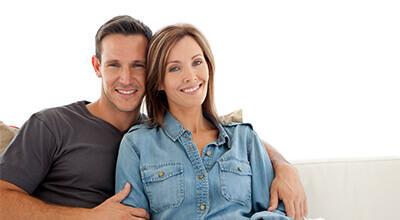 Article thumbnail - couple smiling